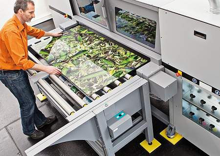 UV-Inkjet direct printing on glass